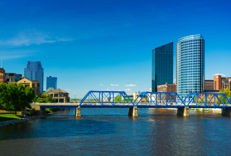 Grand Rapids skyline and bridge